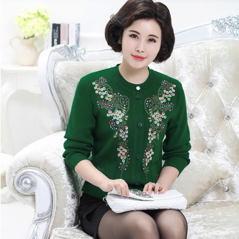 春装新款中老年短款宽松针织衫女毛衣绣花长袖