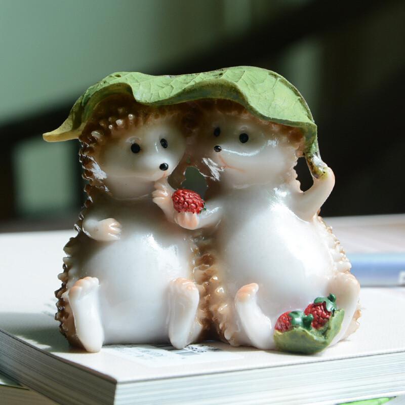 真自在原创可爱刺猬树脂小动物摆件设创意工艺家居装饰父节礼品刺猬