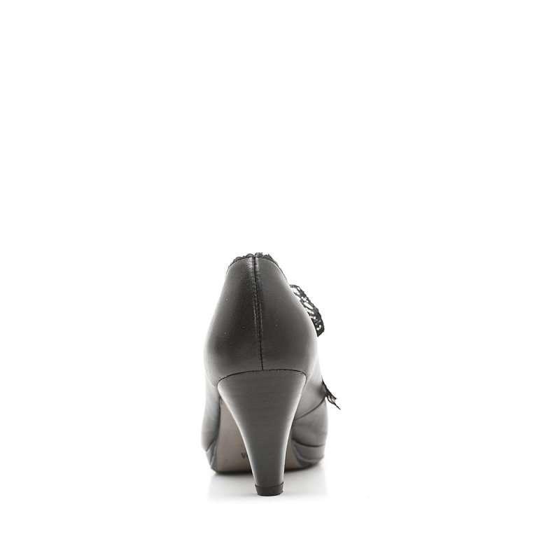 森达秋季黑小牛女单鞋