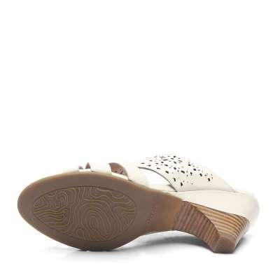 bata 拔佳2012年夏季新款白色油蜡胎牛女凉拖鞋atb20