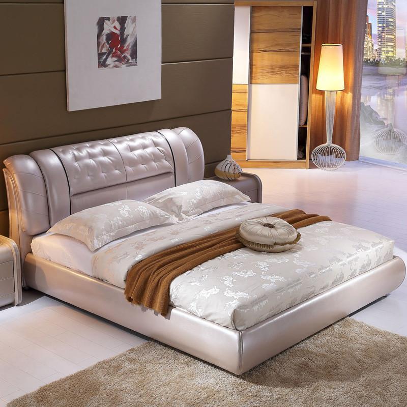 白色皮欧式床头