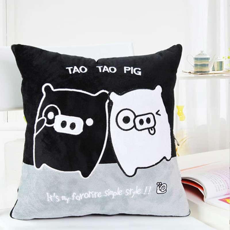 欧莱缦 多功能卡通可爱靠垫被沙发靠枕被创意抱枕被两用抱枕 黑白麦兜