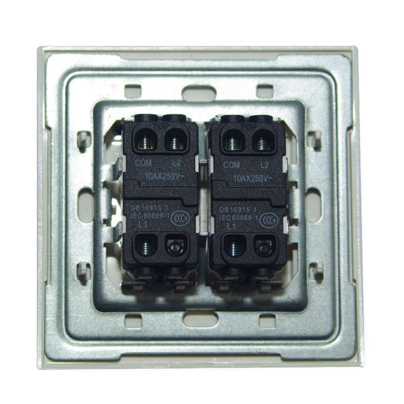 双控双灯带插座接线图