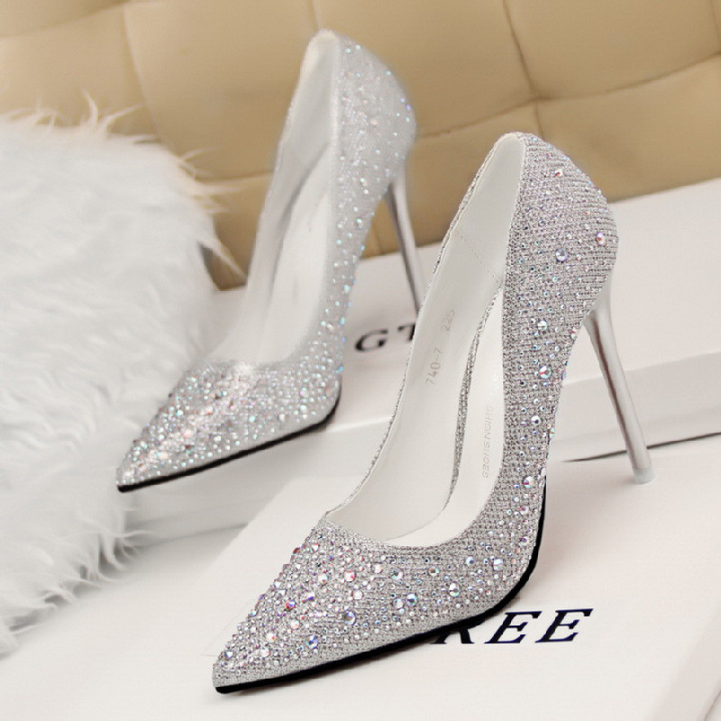 婚纱照结婚鞋子尖头高跟鞋细跟灰姑娘水晶鞋婚鞋新娘鞋水钻单鞋女