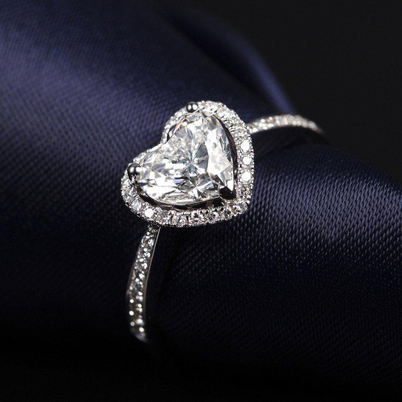 佐卡伊白18k金心形钻石结婚戒指钻戒 女戒异形戒指 定制
