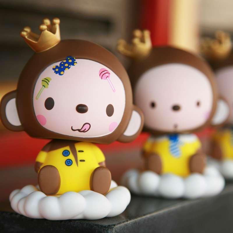 卡佩皇冠猴 可爱汽车卡通摇头公仔 车载摇头娃娃 汽车
