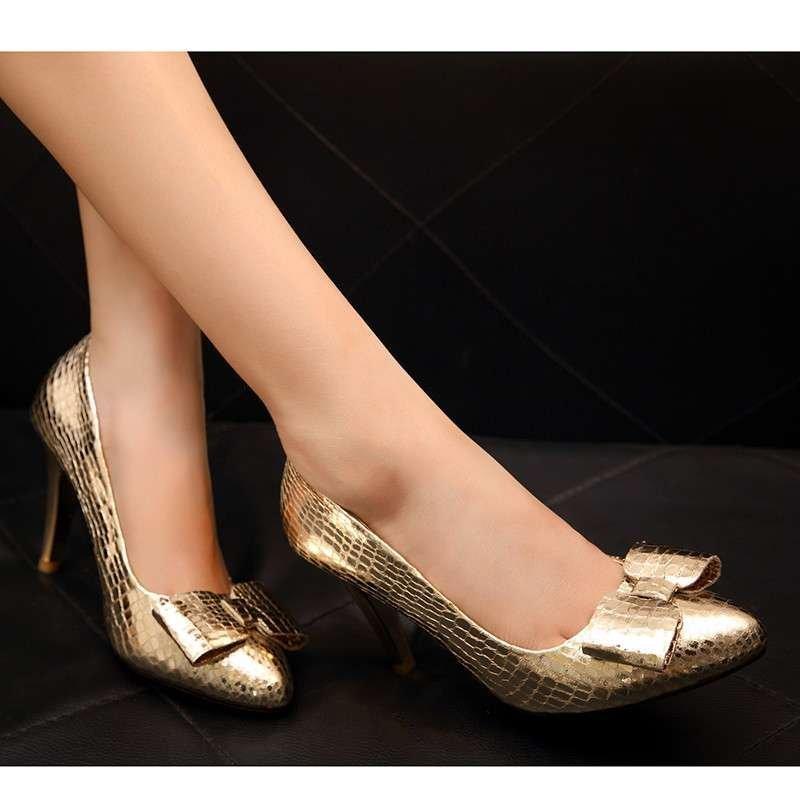 金色尖头单鞋平跟