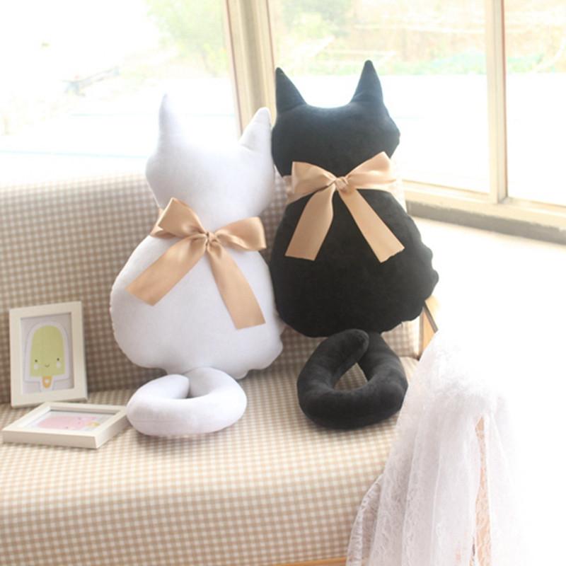 朵啦啦 背影猫抱枕 毛绒玩具布娃娃玩偶公仔 生日礼物