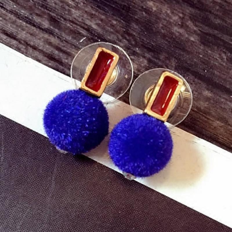 可爱毛绒小球简约时尚百搭饰品耳饰女士耳钉耳环