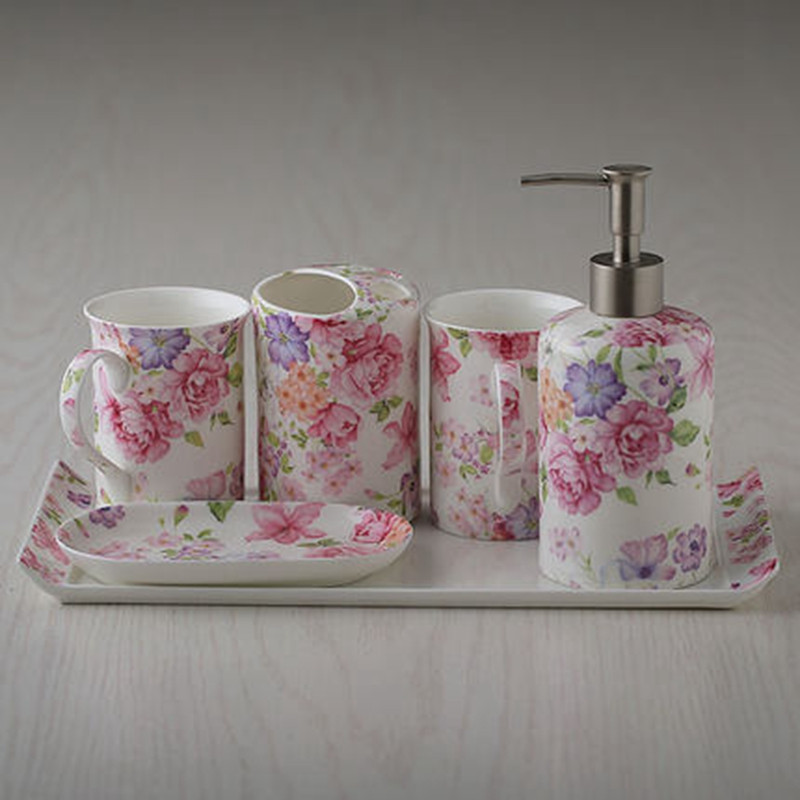 家居结婚礼物欧式陶瓷装饰品洗漱牙具杯子摆件卫浴套装四件套