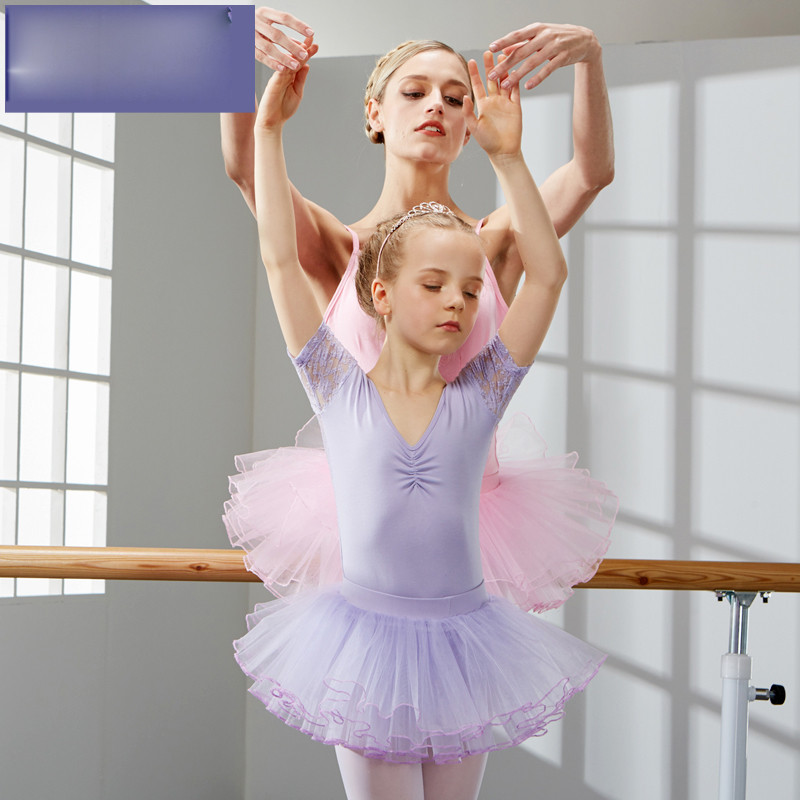 可爱小孩子跳舞