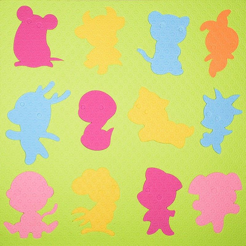 幼儿园木墙益智拼装区墙上形状3-6岁玩具游戏生肖墙面泡沫积桌面男孩看乐高积木配对两人图片