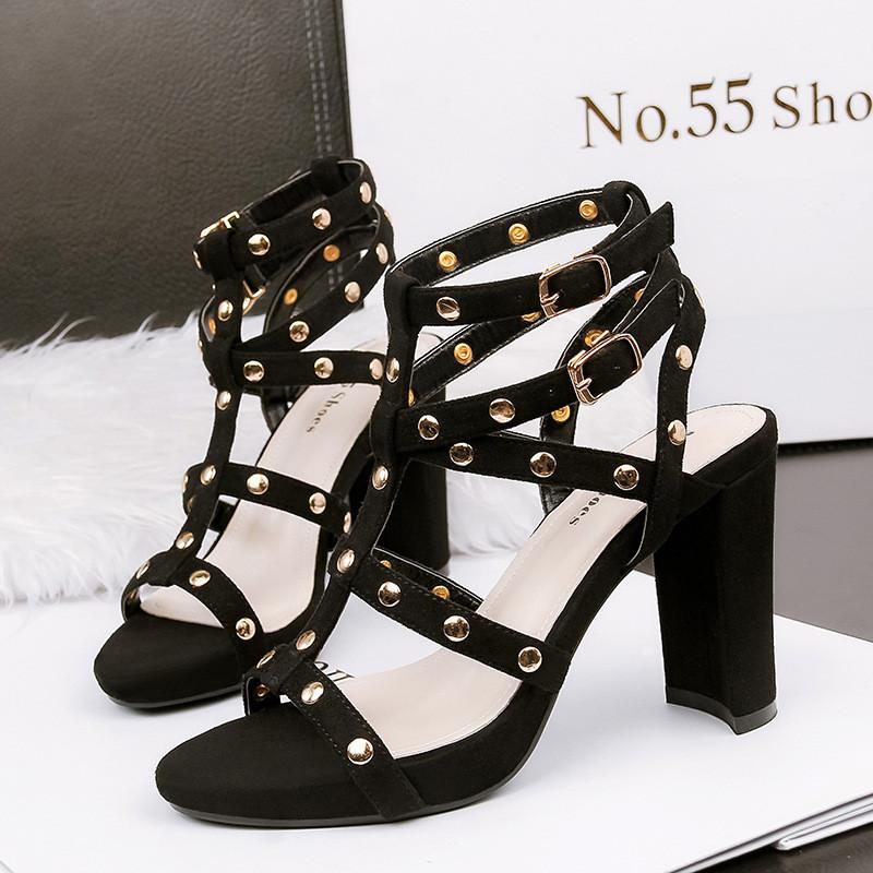 罗马鞋粗跟凉鞋