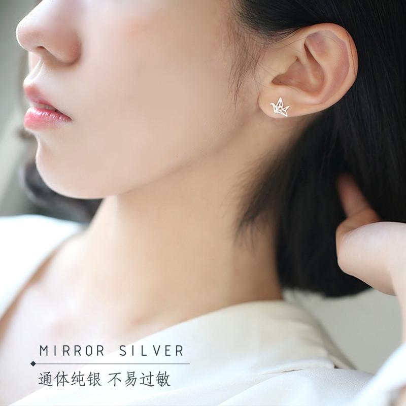 彩丽馆创意设计镂空折纸几何棱形千纸鹤s925纯银耳钉浪漫生日礼物日韩