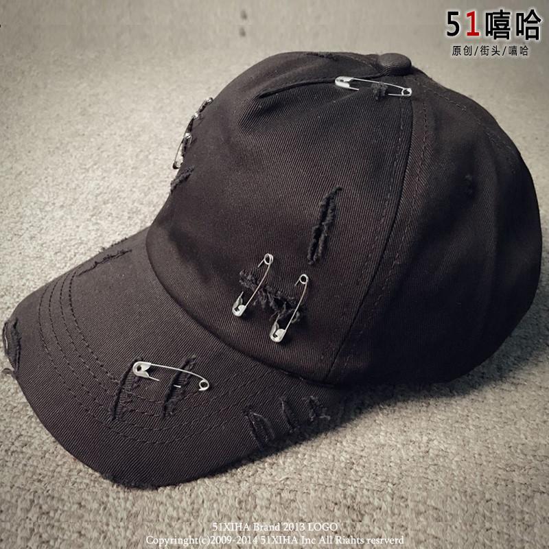 娉语潮牌日系复古鸭舌帽个性磨破别针装饰弯檐帽滑板男女棒球帽嘻哈帽