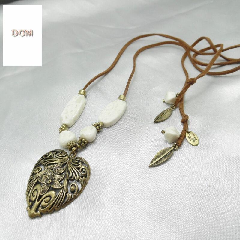 原单复古石头花纹皮绳女心形雕花项链292