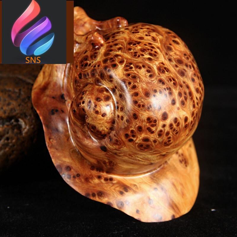太行崖柏满瘤疤手工艺随形雕刻蜗牛把件木质文玩摆件h1
