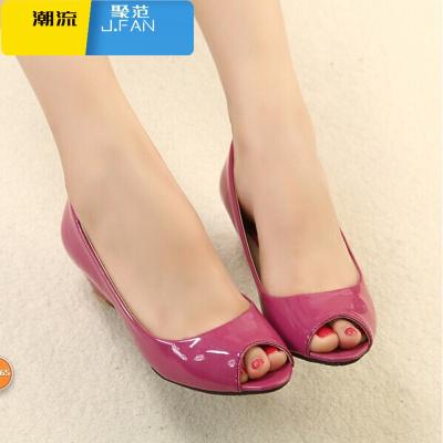 聚范潮流女鞋夏季女鞋甜美中跟小碼鞋百搭漆皮工作鞋坡跟魚嘴鞋33碼女單鞋