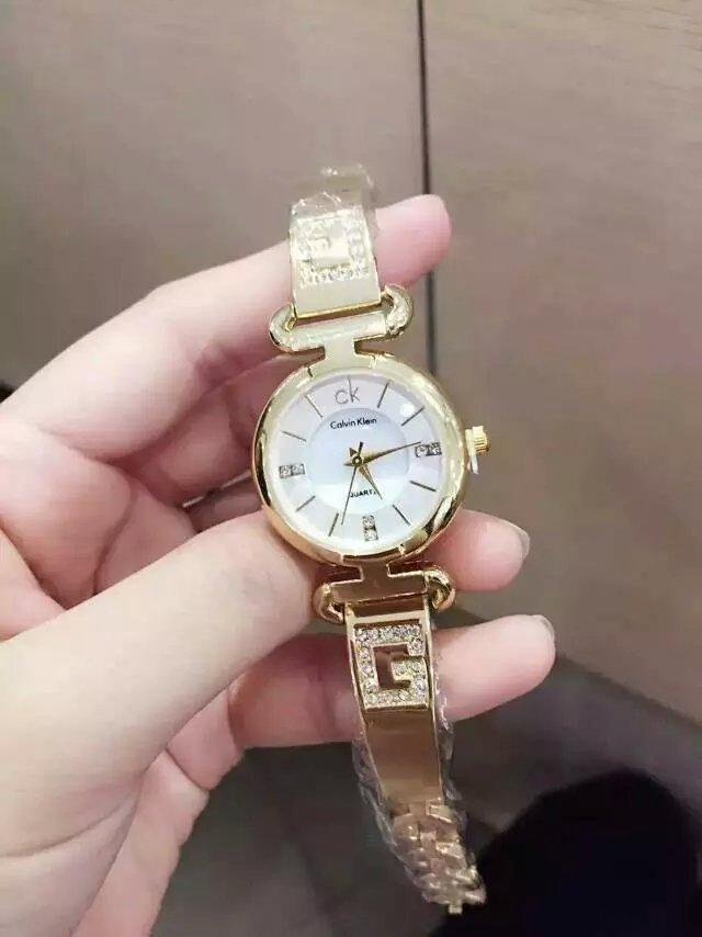 ck三眼手表怎么调图解