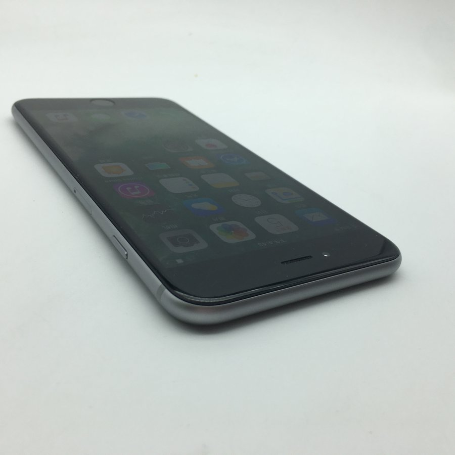 機型:蘋果 iPhone 6 Plus 灰色 內存:16 G 版本:國行 全網通 成色:9成新 【同城幫質檢結論】型號:A1524經過同城幫專業質檢,確保無質量問題,無翻新,推薦購買。 ------------------------ 配件:贈送全新品勝充電器和數據線 快遞:全國包郵(如選貨到付款,郵費需您自付) 保修:支持7天無理由退貨,180天保修。